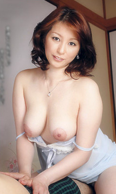 Hitomi Araki