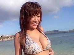 Kana Tsugihara in Lovepop