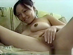 Dildoing my nasty Chinese amateur cunt