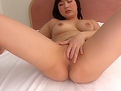 Megumi Haruka finger fucking solo play at home