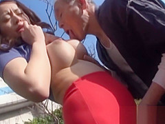 Mesmerizing exotic cougar gets body licked