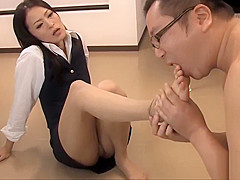OFFICE JAPANESE LADY SUCKS EMPLOYEE&#039_S COCK | PART 2 | CANDIDPORN.COM