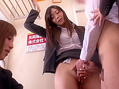 Public fuck with a naughty Japanese beauty