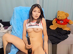 Little Asian Cums on Cam