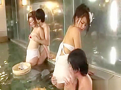 Group of Japan swingers have bath foreplay sex party
