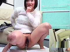 Japanese Teen Babe Pissing For Audience