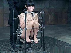 Japanese subslut endures brutal bastinado