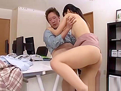 Japanese chick loves big dick
