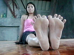 Asian Goddess Soles (Epic Toe Spreading)
