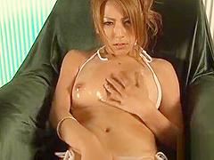 Vigorous busty bimbo Sakura Kiryu has a great body