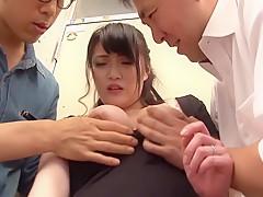 【咲楽アンナ マッサージ】巨乳の未亡人、咲楽アンナのフェラシックスナイン手コキプレイ動画!!