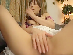 Horny Japanese chick Homami Takasaka in Amazing Cuckold, Blowjob/Fera JAV clip